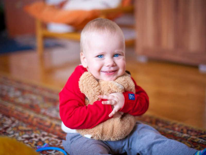 O nosso Berçário é amplo e acolhedor, especialmente planejado para atender plenamente todas as necessidades dos bebês de 4 a 9 meses. Oferecemos ambientes exclusivos para cada idade, adequados para o crescimento saudável, seguro e feliz de cada criança.